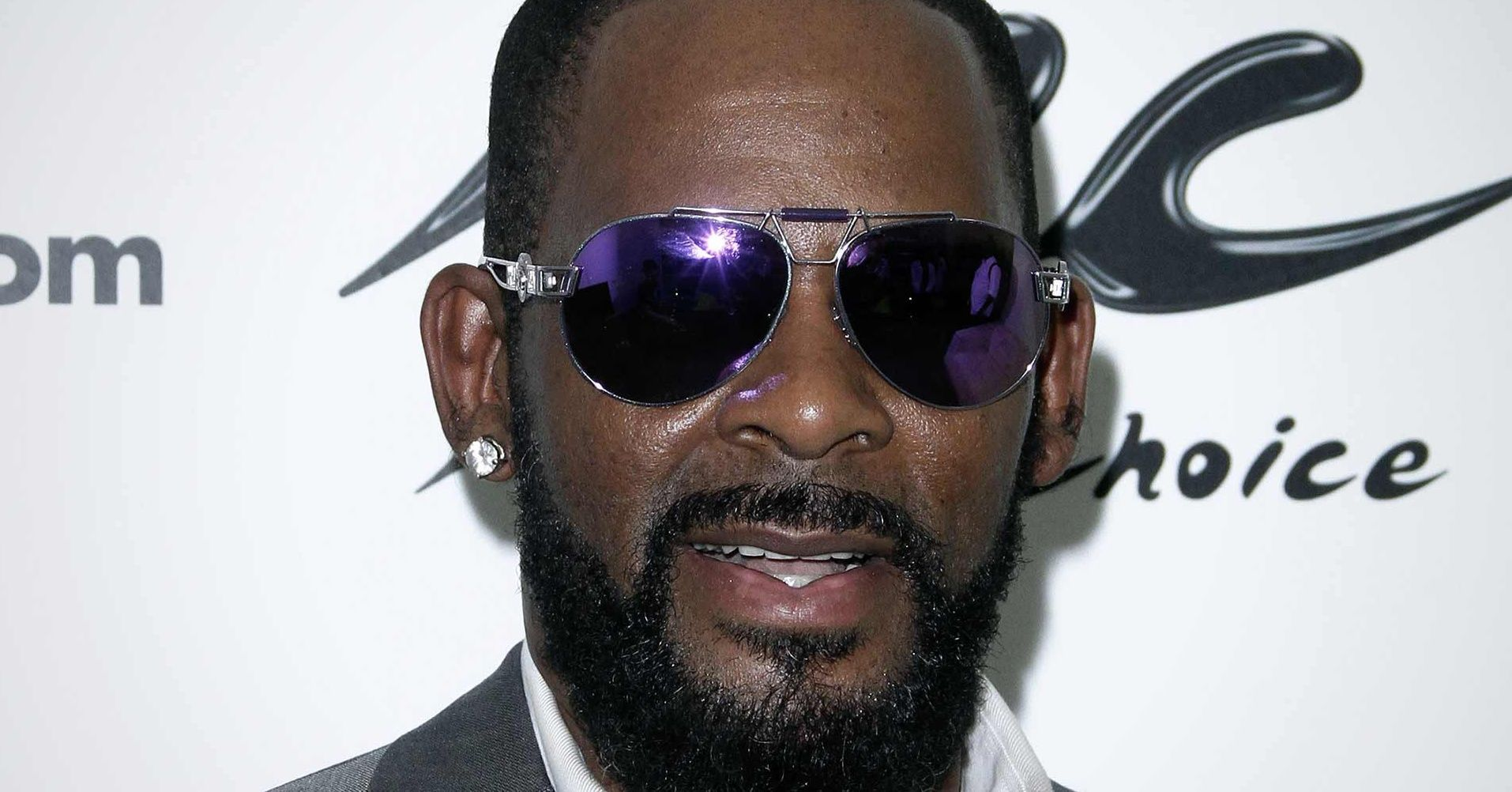 Lawsuit Alleges Mississippi Deprives >> R Kelly Headed To Trial With Mississippi Sheriff Who Sued