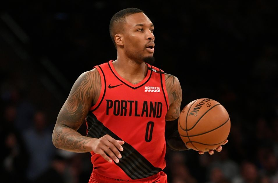 Damian Lilliard making plays for the Trail Blazers