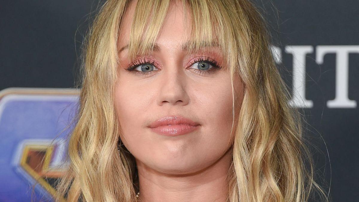 Miley Cyrus close up
