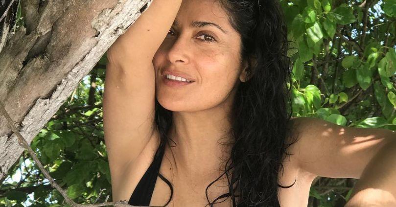 MENkRWVHcFVhVzBWSUV3RTBaVVEuanBn Salma Hayek Appreciates 2020 In Bikini Instagram Says She 8217 s 8216 Timeless 8217 8211 The Blast