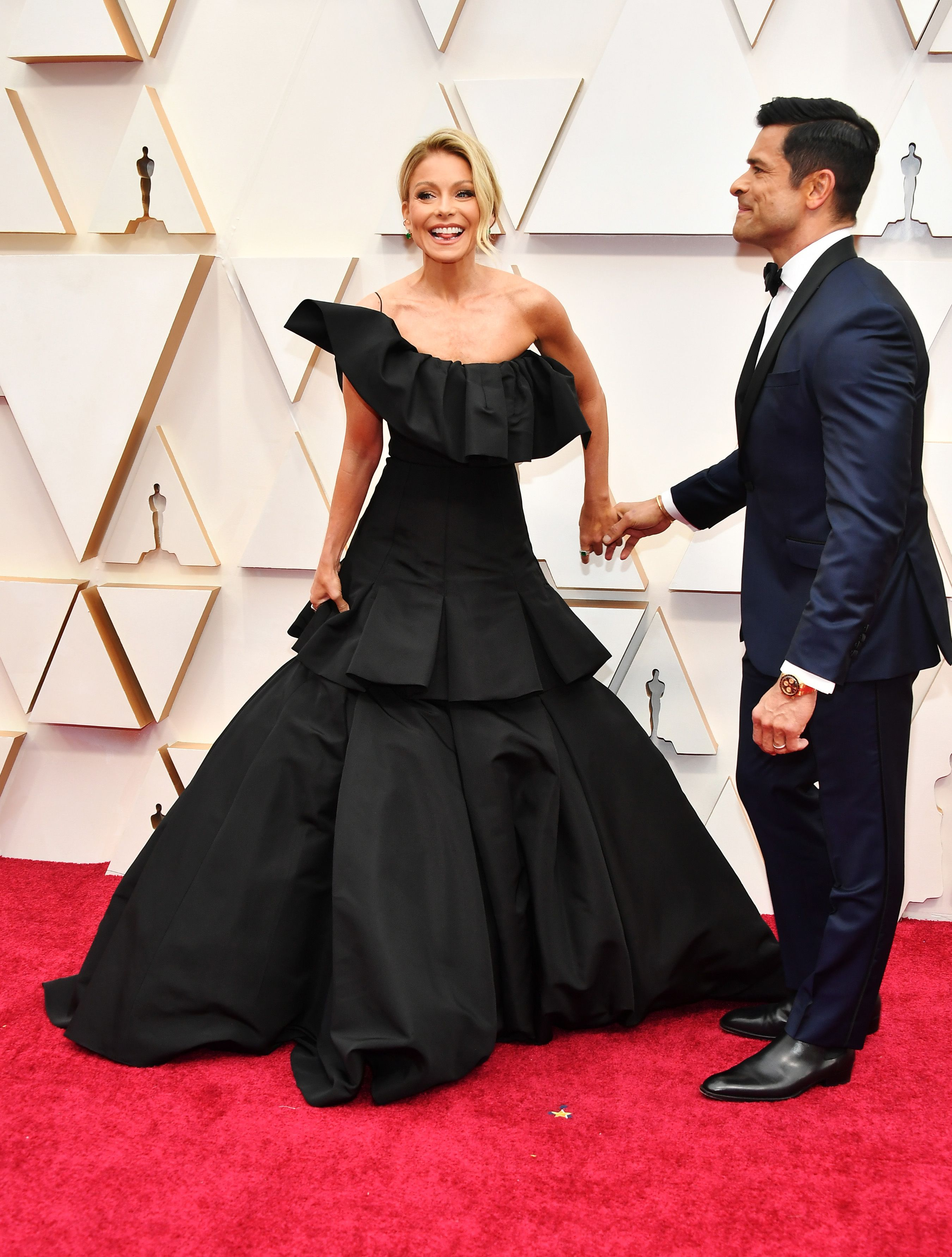 Kelly Ripa and husband on red carpet