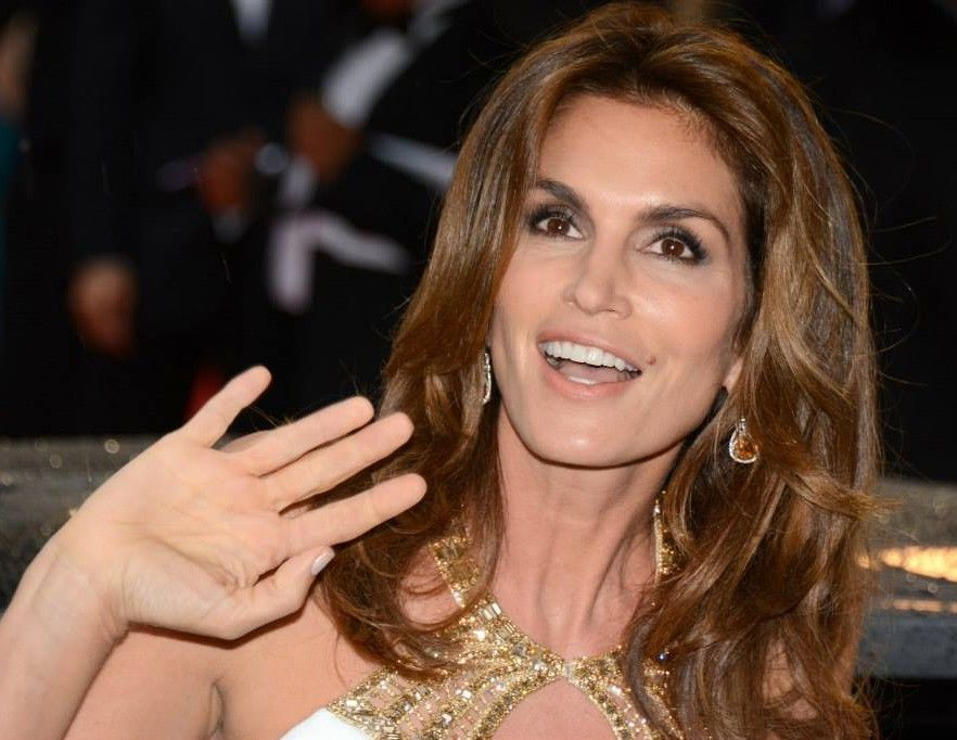 Cindy Crawford Continues To Struggle