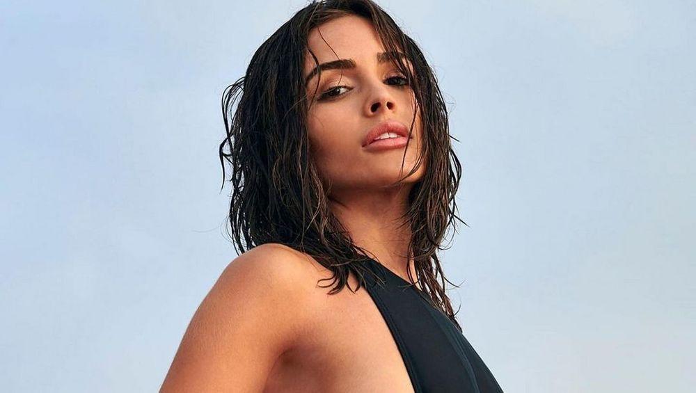 MGJmS2hjOHgxcWtINHNZbkhOZWcuanBn Olivia Culpo Stuns In Bikini With Bottoms Hanging Down 8211 The Blast