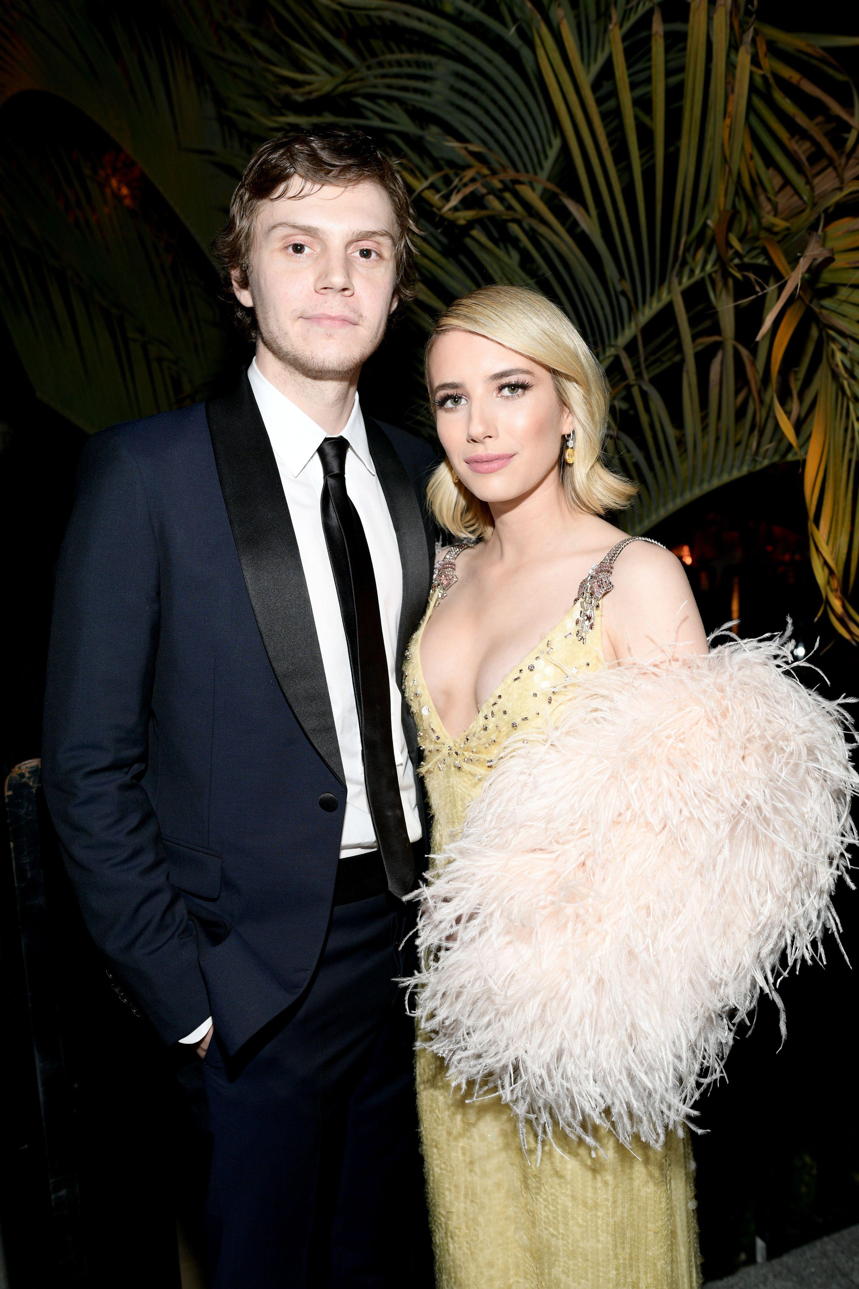 Ahs Star Emma Roberts Mom Approves Of Boyfriend Garrett Hedlund