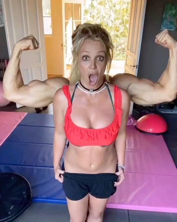 Britney Spears & Sam Asghari in the gym