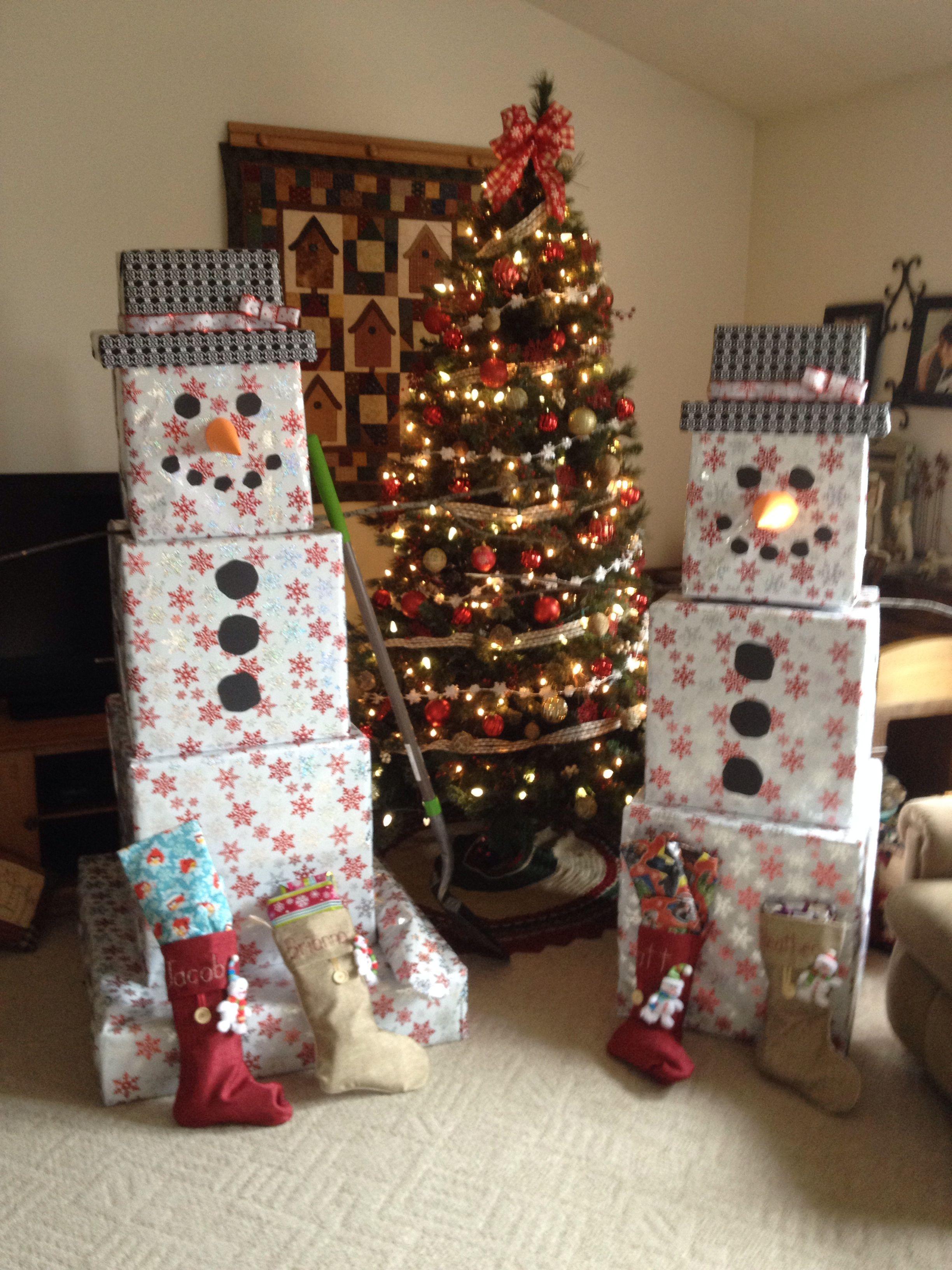 Snowman Gift Towers Keep Christmas Gifts Minimal And Fun