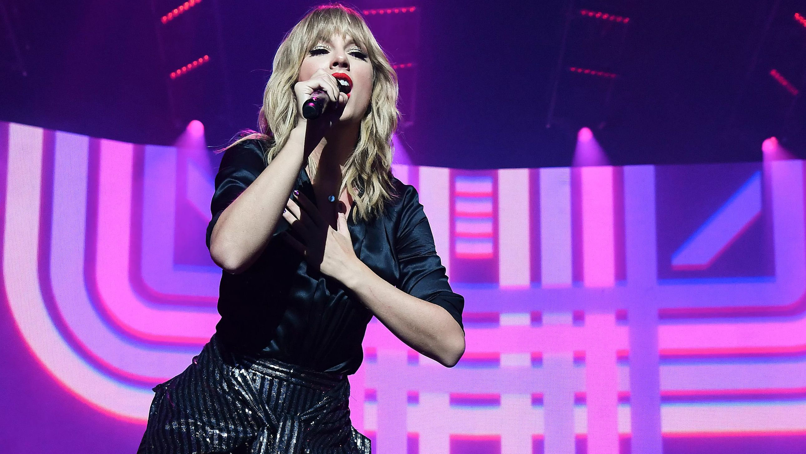 """ARIS, FRANCE - SEPTEMBER 09: (EDITORS NOTE: Image approved by Artist) Taylor Swift performs during the """"City of Lover"""" concert at L'Olympia on September 9, 2019 in Paris, France."""