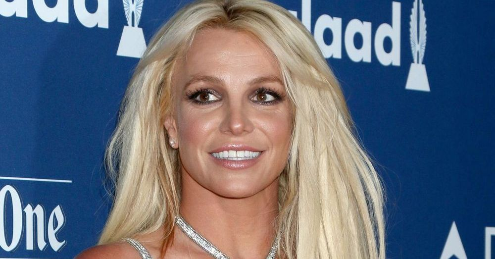 Britney Spears Looks Fabulous On Rare Malibu Shopping Spree