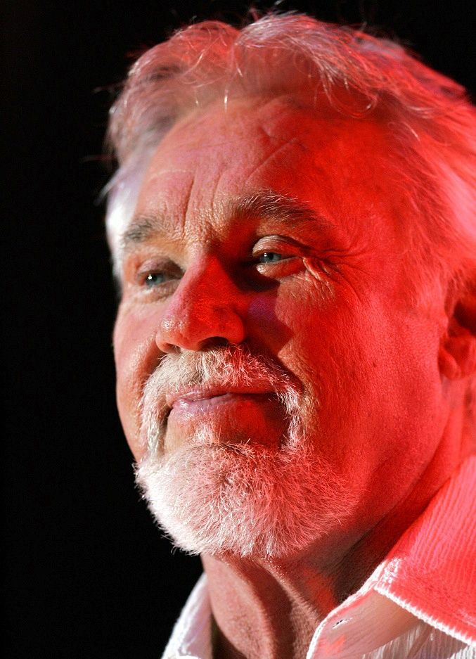 The Sad Story Behind Kenny Rogers First Marriage