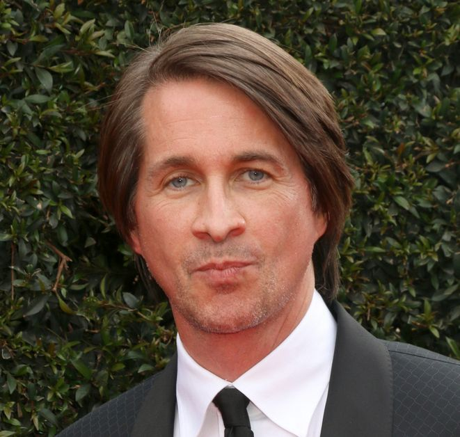 Michael Easton slays at an event