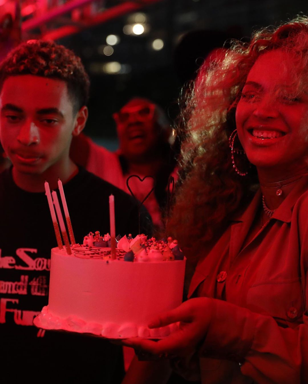 Awe Inspiring Beyonce Is Living Her Best Life Celebrating 38Th Birthday With Jay Personalised Birthday Cards Veneteletsinfo
