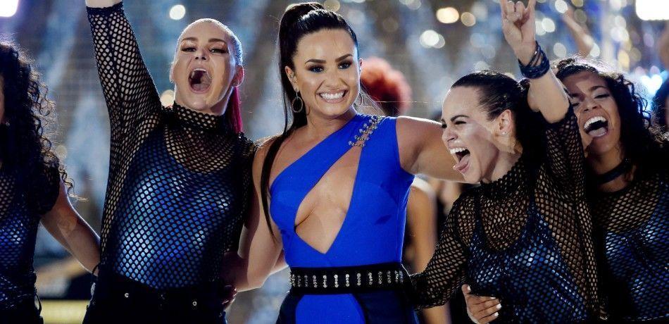 Demi Lovato on stage