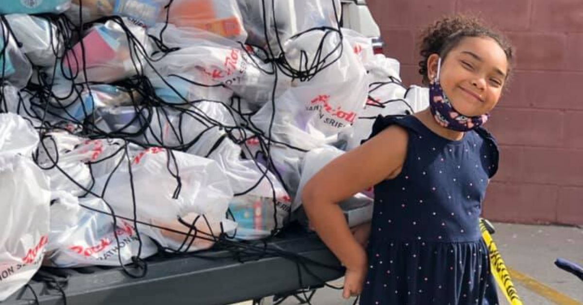 6-Year-Old Girl Gives Out Free 'Happy Bags' To Homeless People In Her Community