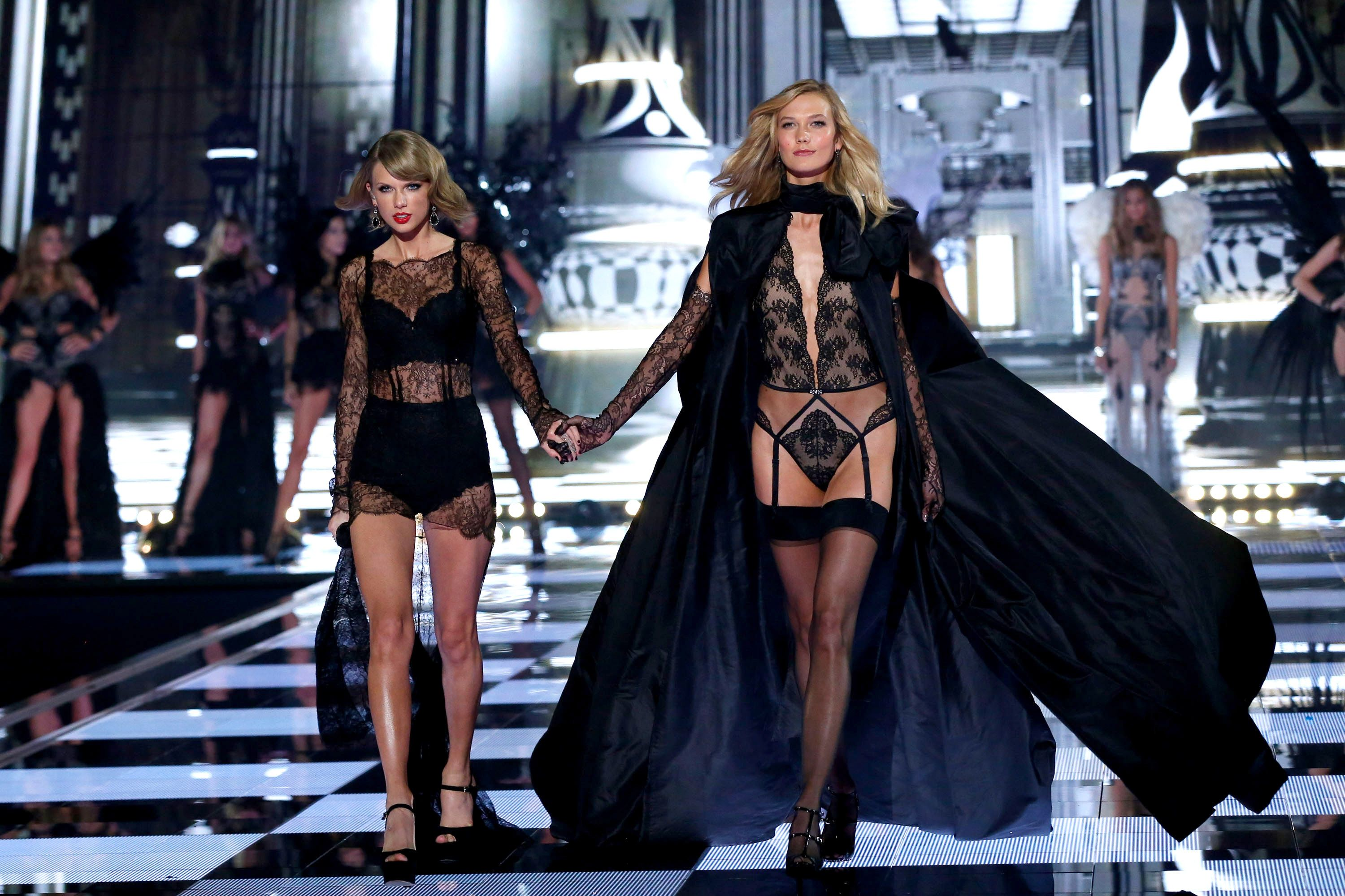 Victoria S Secret Model Confirms She Was Taylor Swift S Roommate Might Not Be The Only One