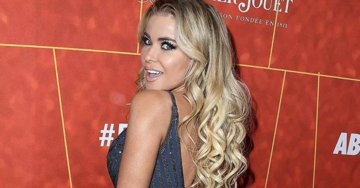 R0ZvZ2tGVG9yekVPeWhSWFFRYVIuanBn Carmen Electra Shows Off Quarantine Weight Gain In Bikini With Band Aid 8211 The Blast
