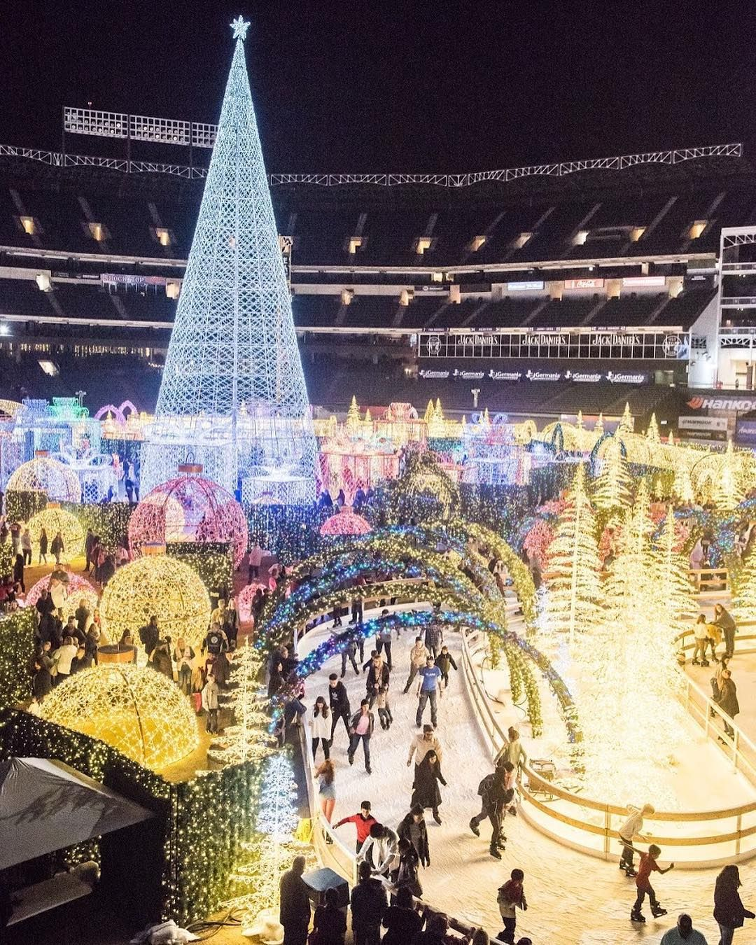 Enchant Christmas.The World S Biggest Christmas Light Maze Is Coming Soon And