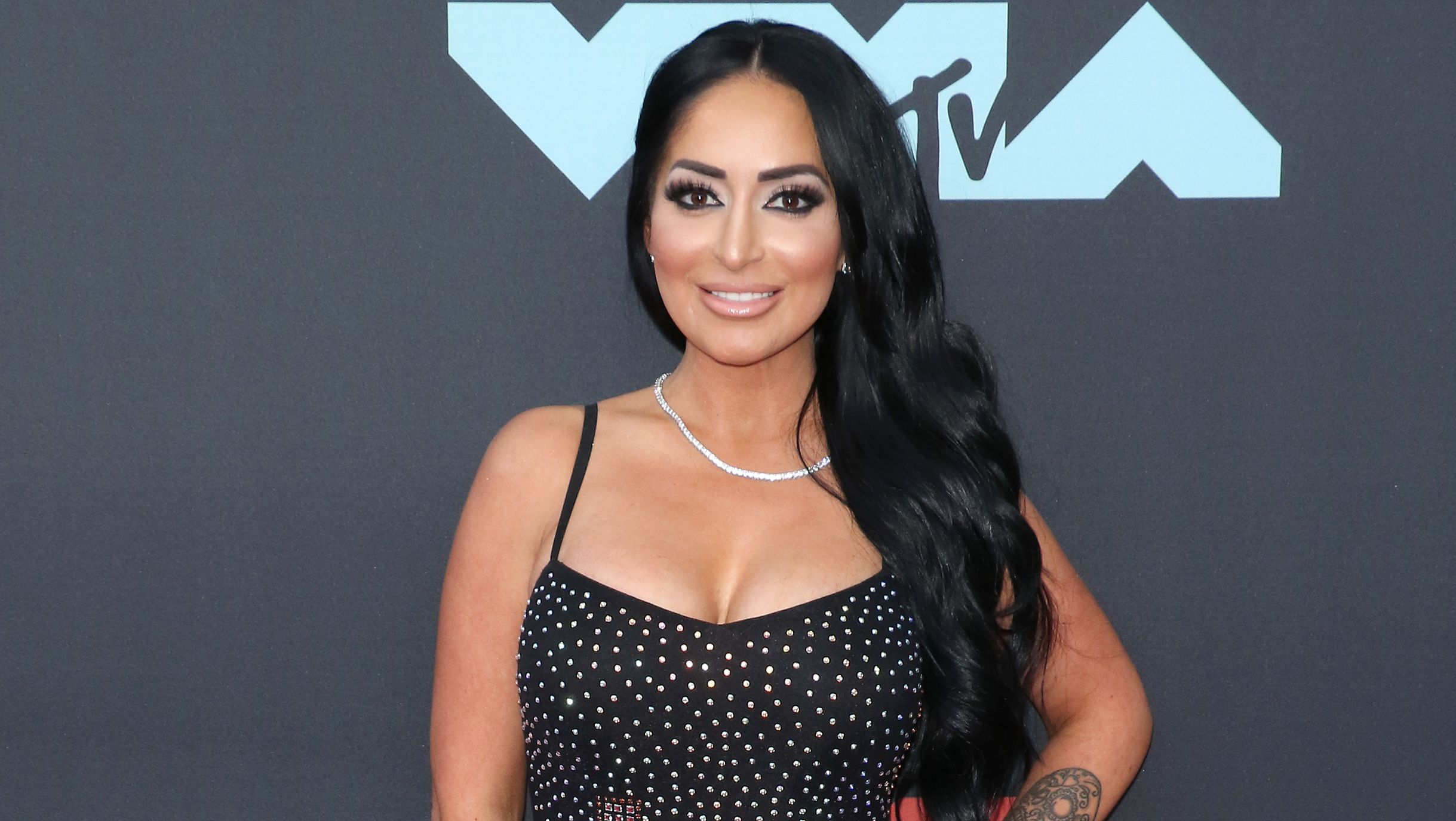 Angelina Jersey Shore Sexy jersey shore' angelina shares lingerie pic and is 'being