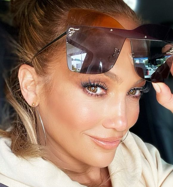 Jennifer Lopez shares a beautiful close-up snap on Instagram