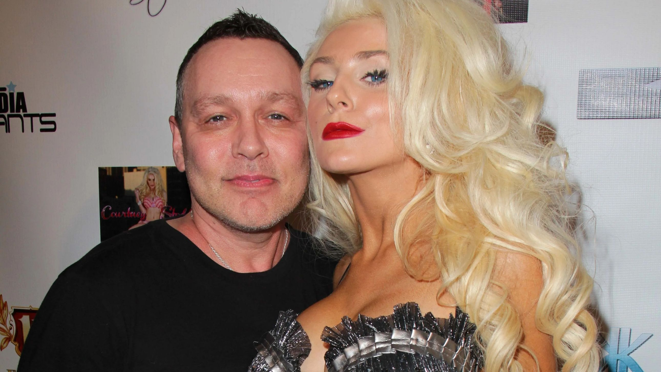 Courtney Stodden Exposes Alleged Messages Between Ex Husband Doug Hutchison And Apparent Underage Girl