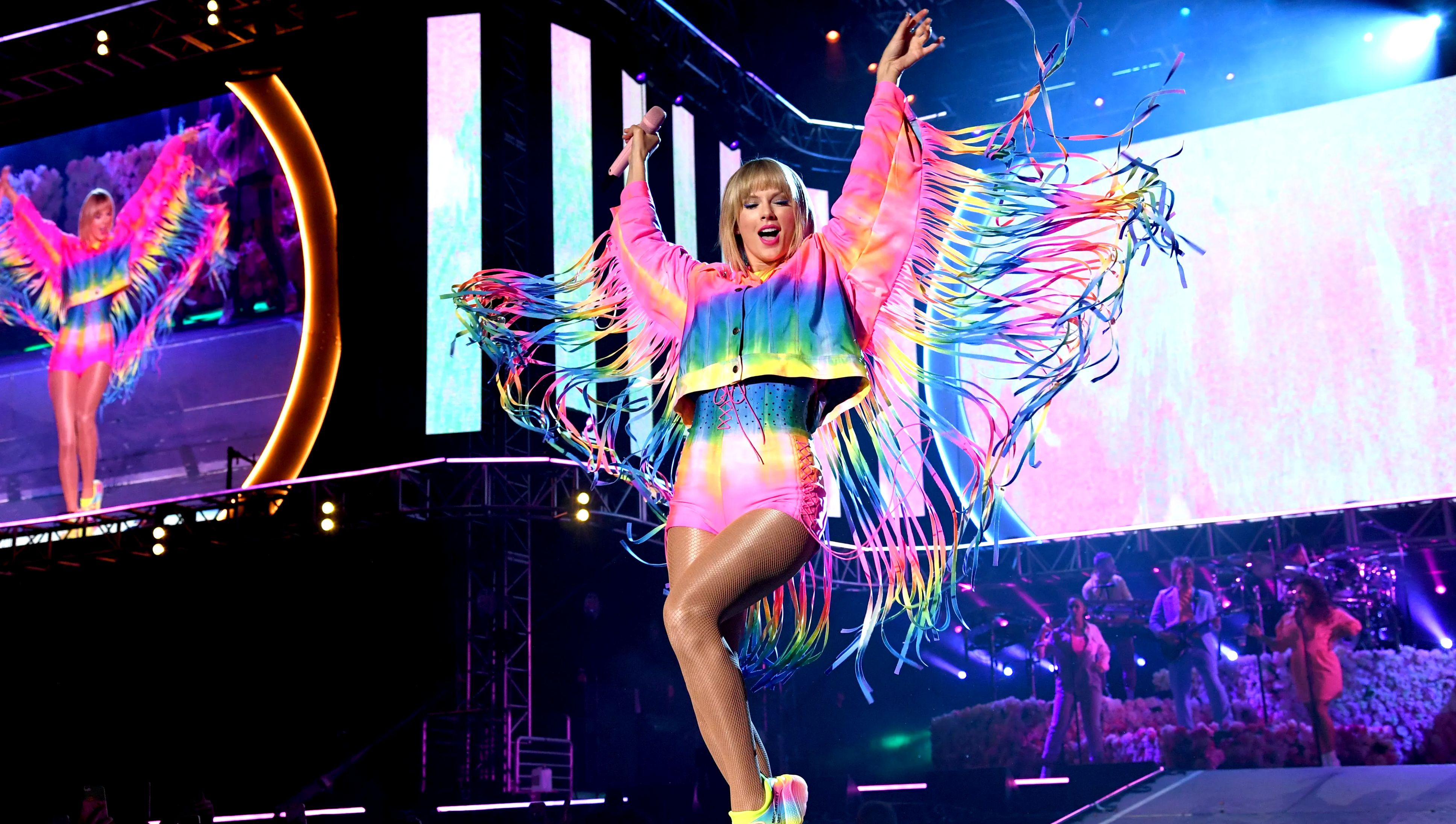 CARSON, CALIFORNIA - JUNE 01: (EDITORIAL USE ONLY. NO COMMERCIAL USE) Taylor Swift performs onstage at 2019 iHeartRadio Wango Tango presented by The JUVÉDERM® Collection of Dermal Fillers at Dignity Health Sports Park on June 01, 2019 in Carson, California.