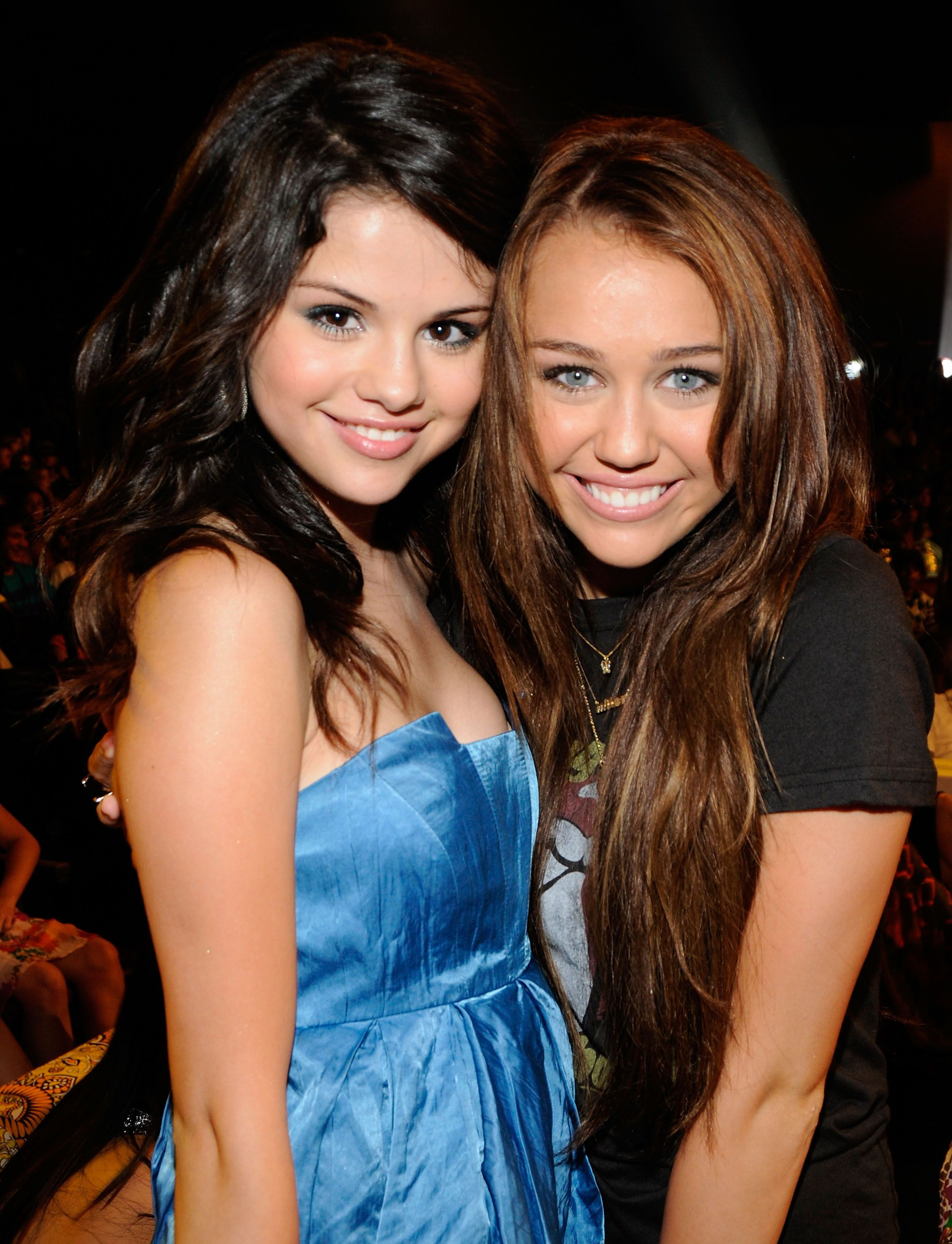 A throwback photo of Miley Cyrus and Selena Gomez.