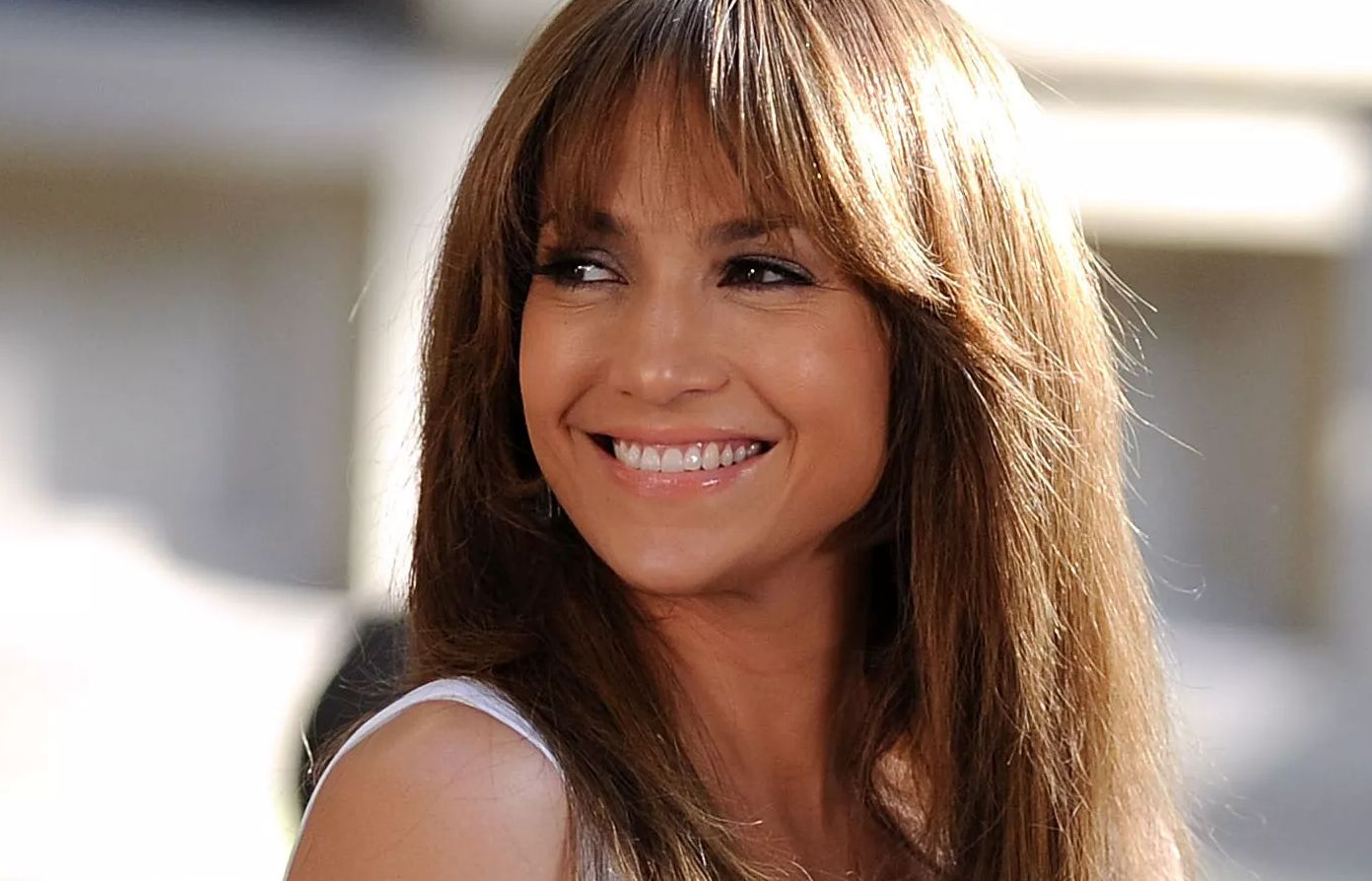 Jennifer Lopez with hair down