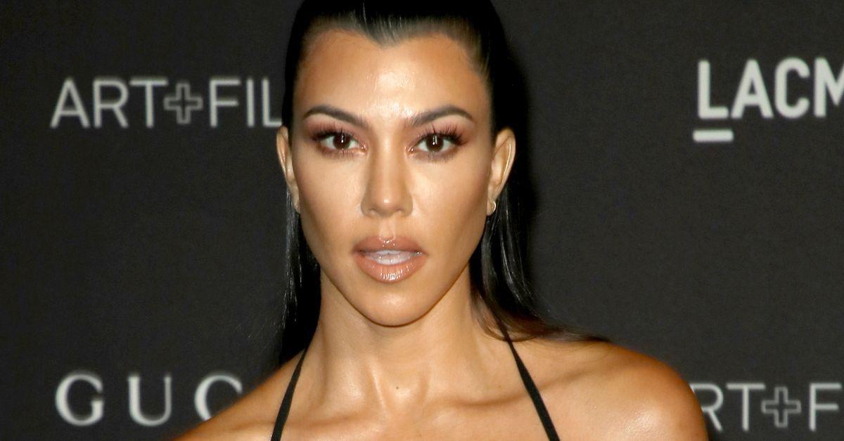 Kourtney Kardashian Exposed On Toilet With Underwear Down