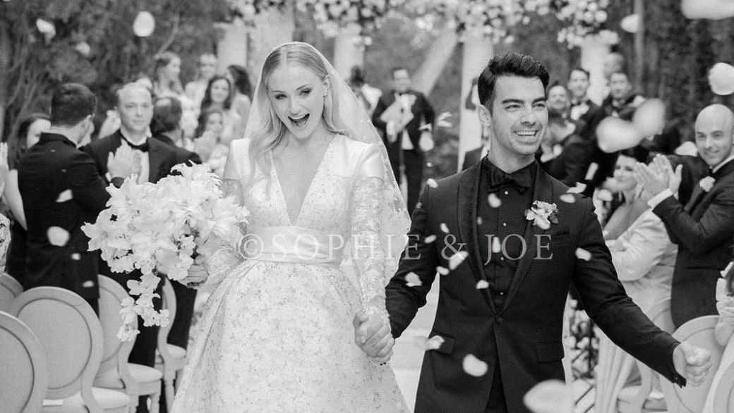 Joe Jonas & Sophie Turner Release Never-Before-Seen Wedding Pictures!