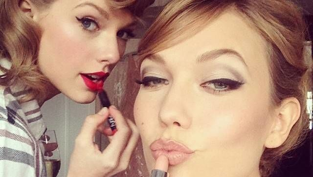 Taylor Swift and Karlie Kloss applying makeup before the 2014 MET Gala