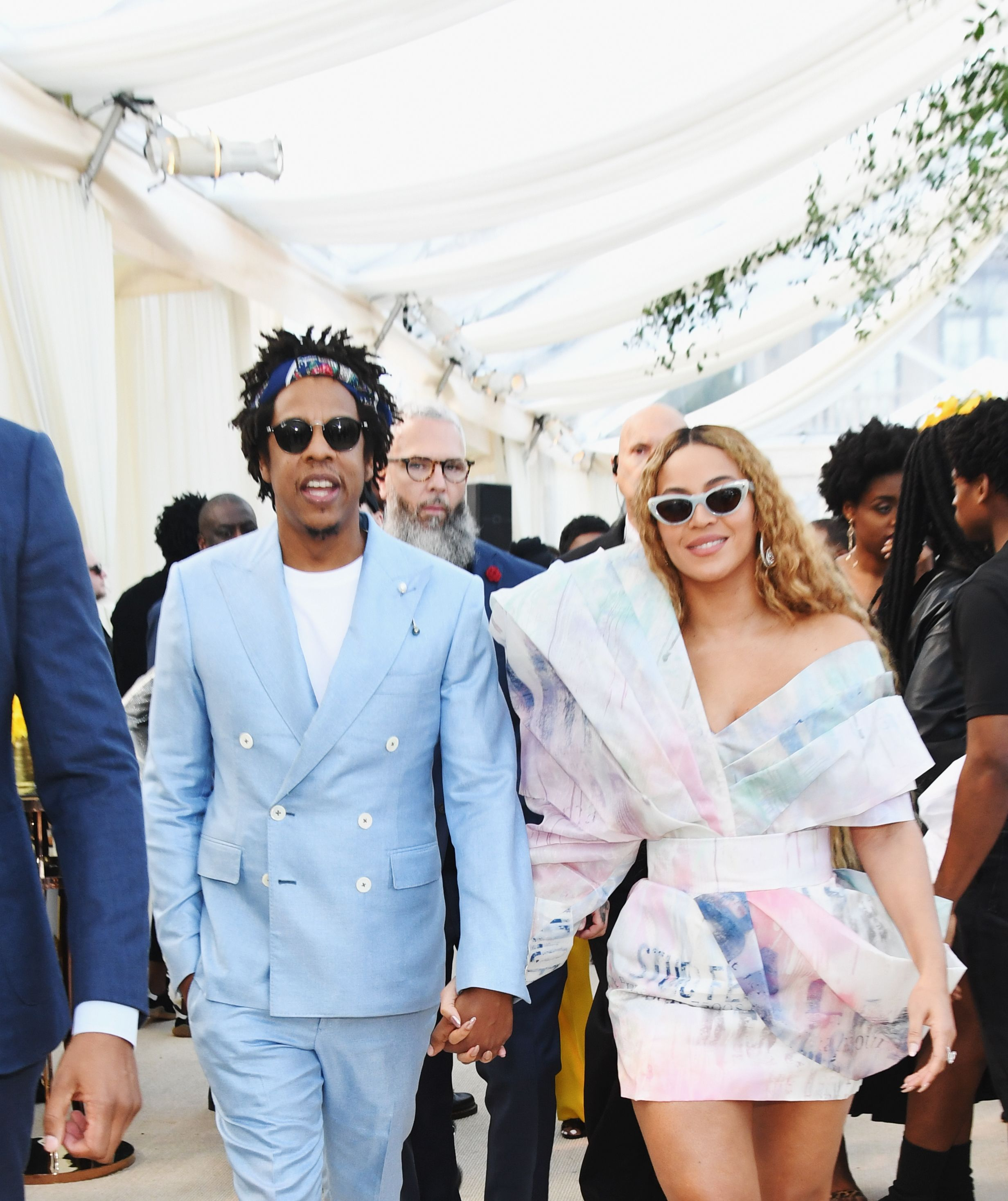 Jay-Z and Beyonce in pastel outfits