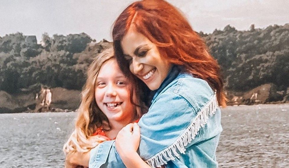 Teen Mom 2 Star Chelsea Houska S Meatball Squishing Video Is Oddly Satisfying Includes Peas Of Course