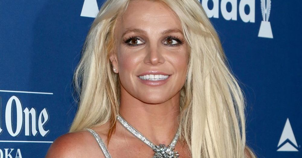 Britney Spears Stuns In Yellow Bikini While Bored