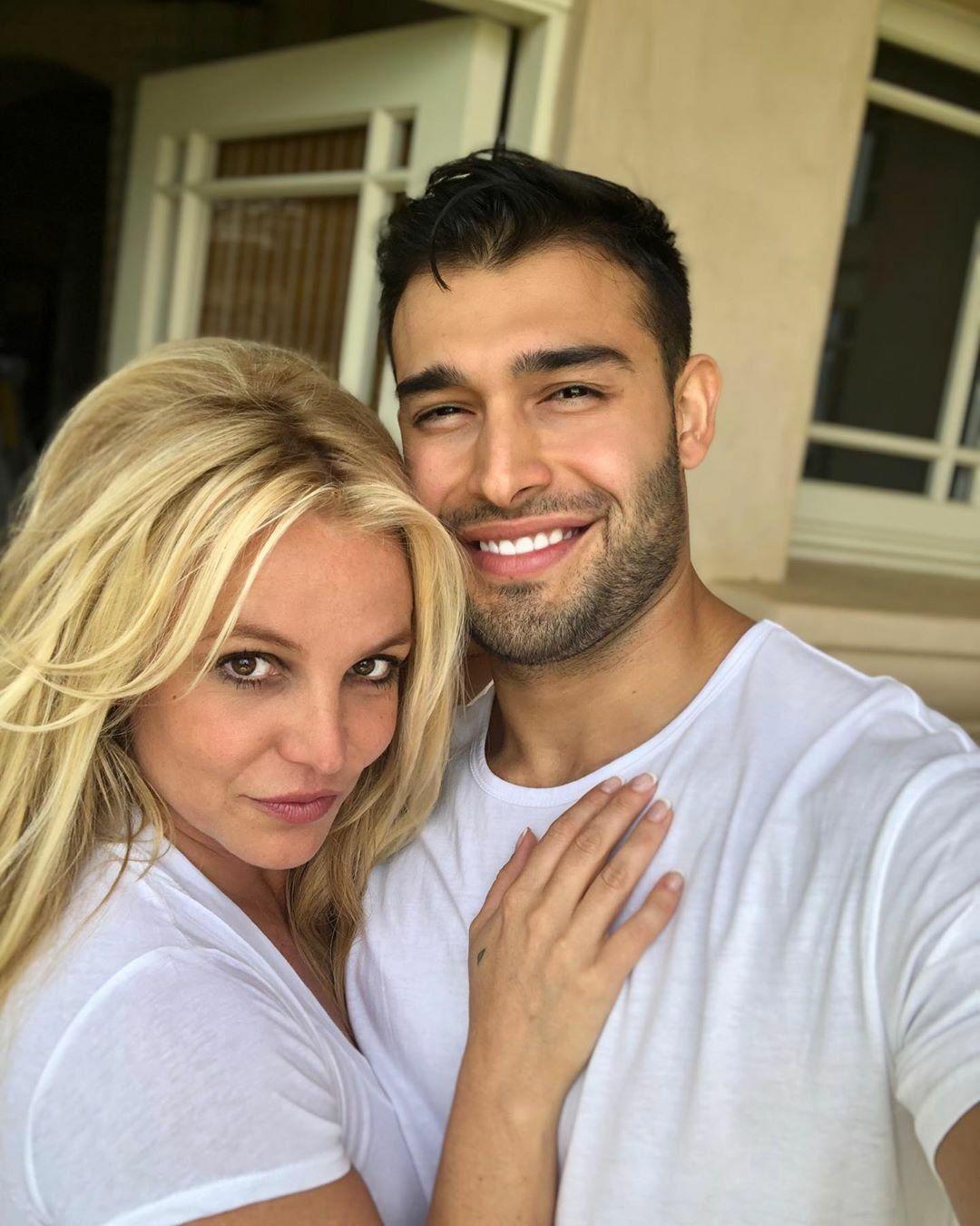 Britney Spears and Sam selfie
