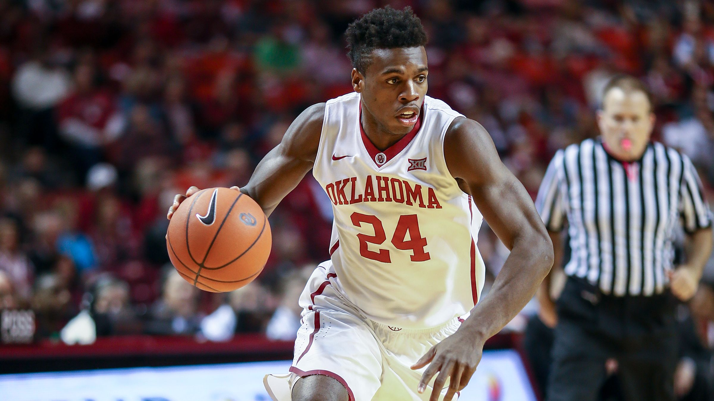 Buddy Hield driving into the basket