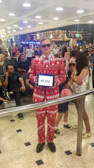 18 Of The Very Best Airport Welcome Home Signs