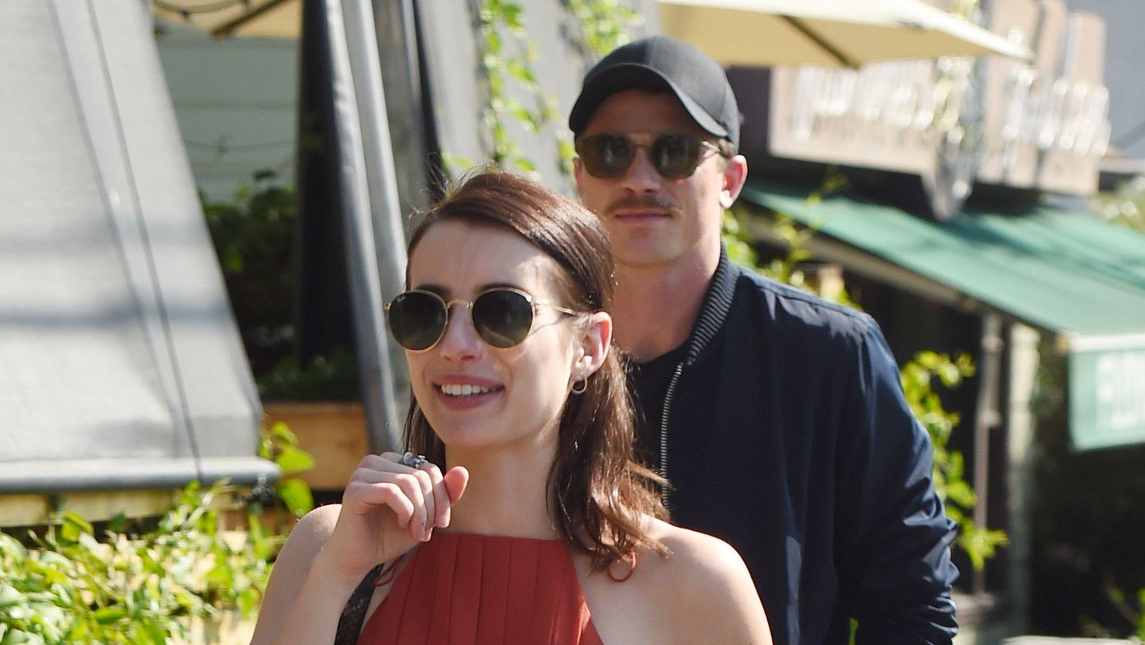Ahs Star Emma Roberts Mom Approves Of Boyfriend Garrett
