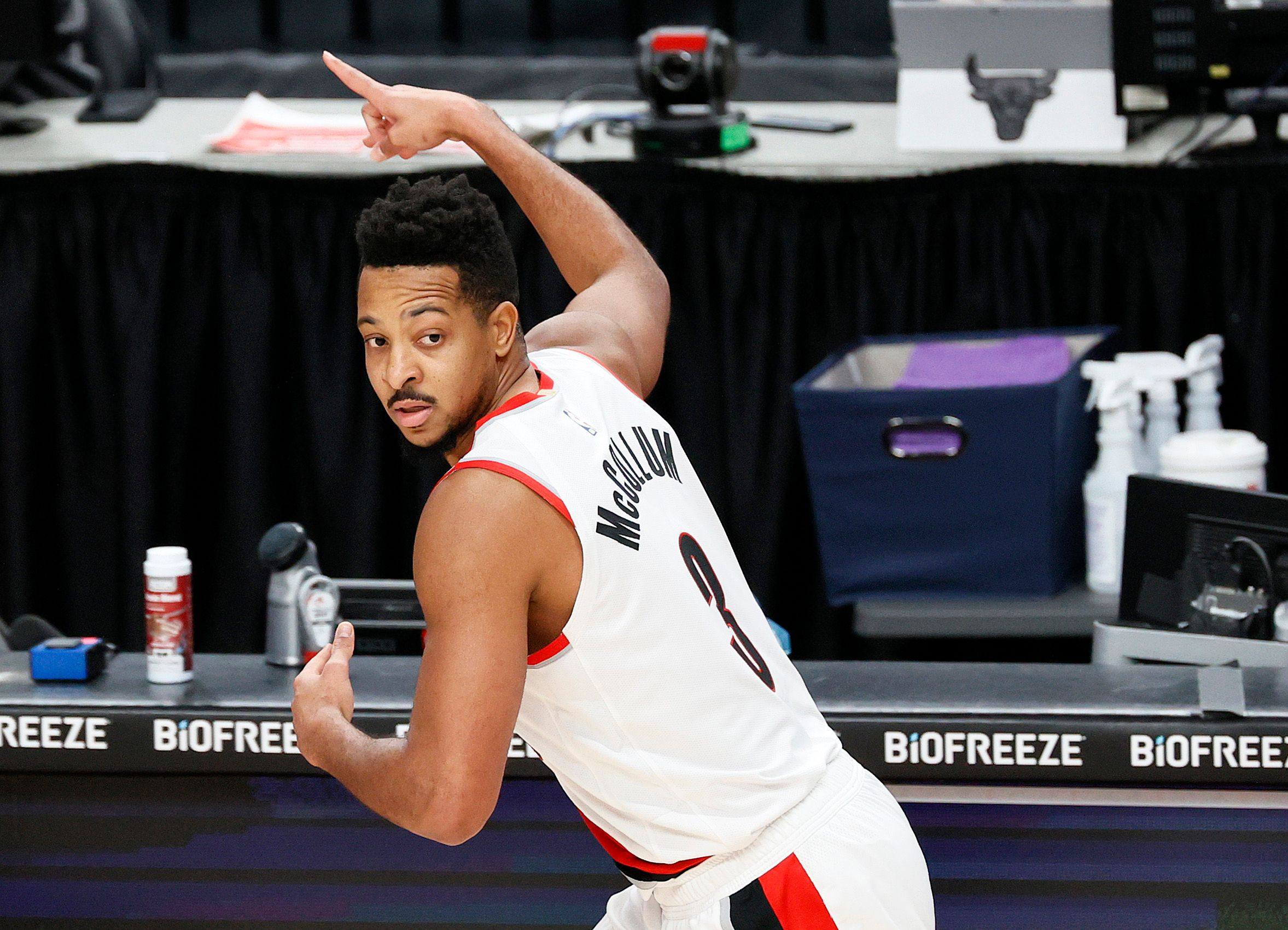 CJ McCollum going back to defense after scoring