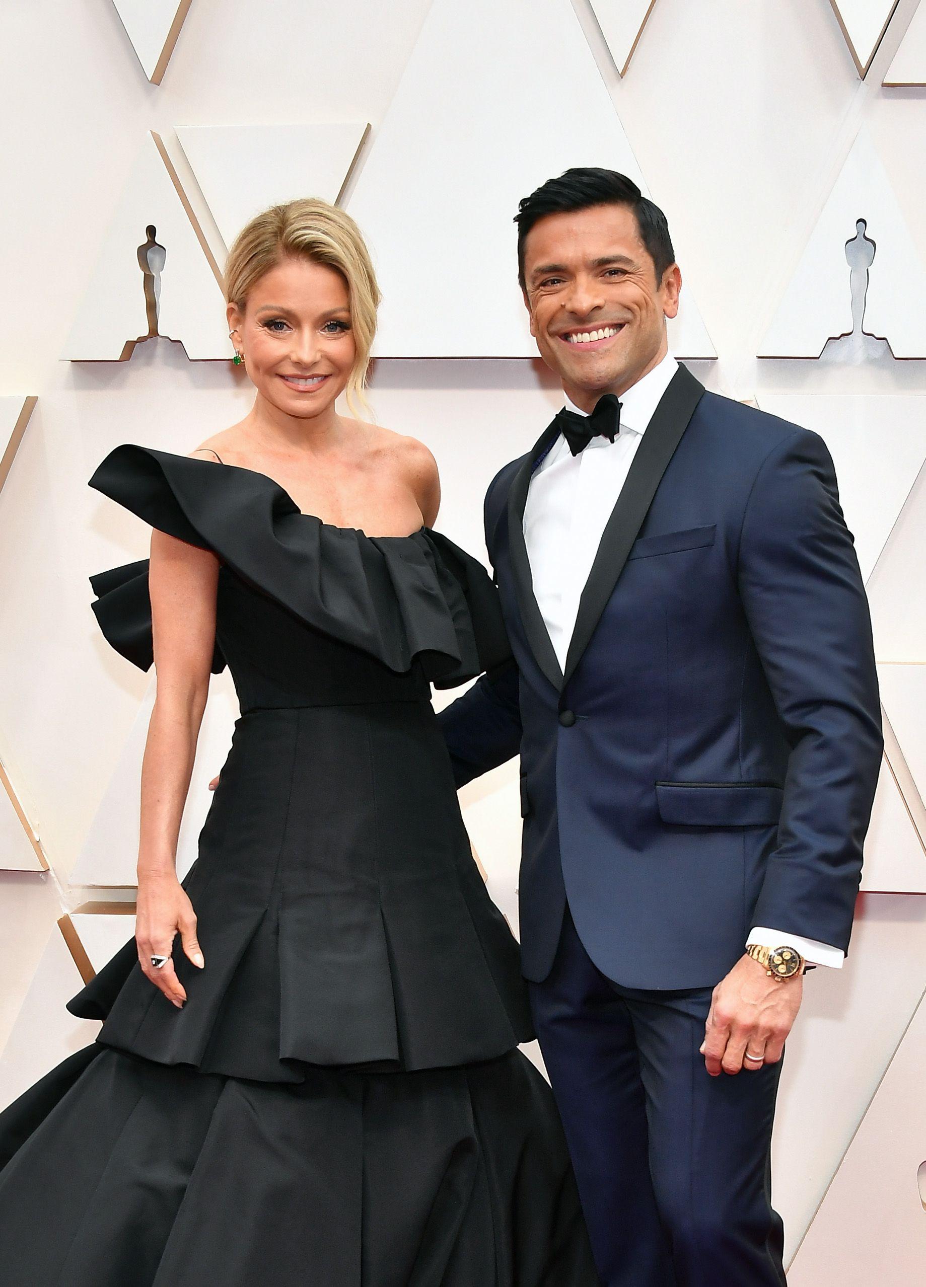 Kelly Ripa and husband on red carpet