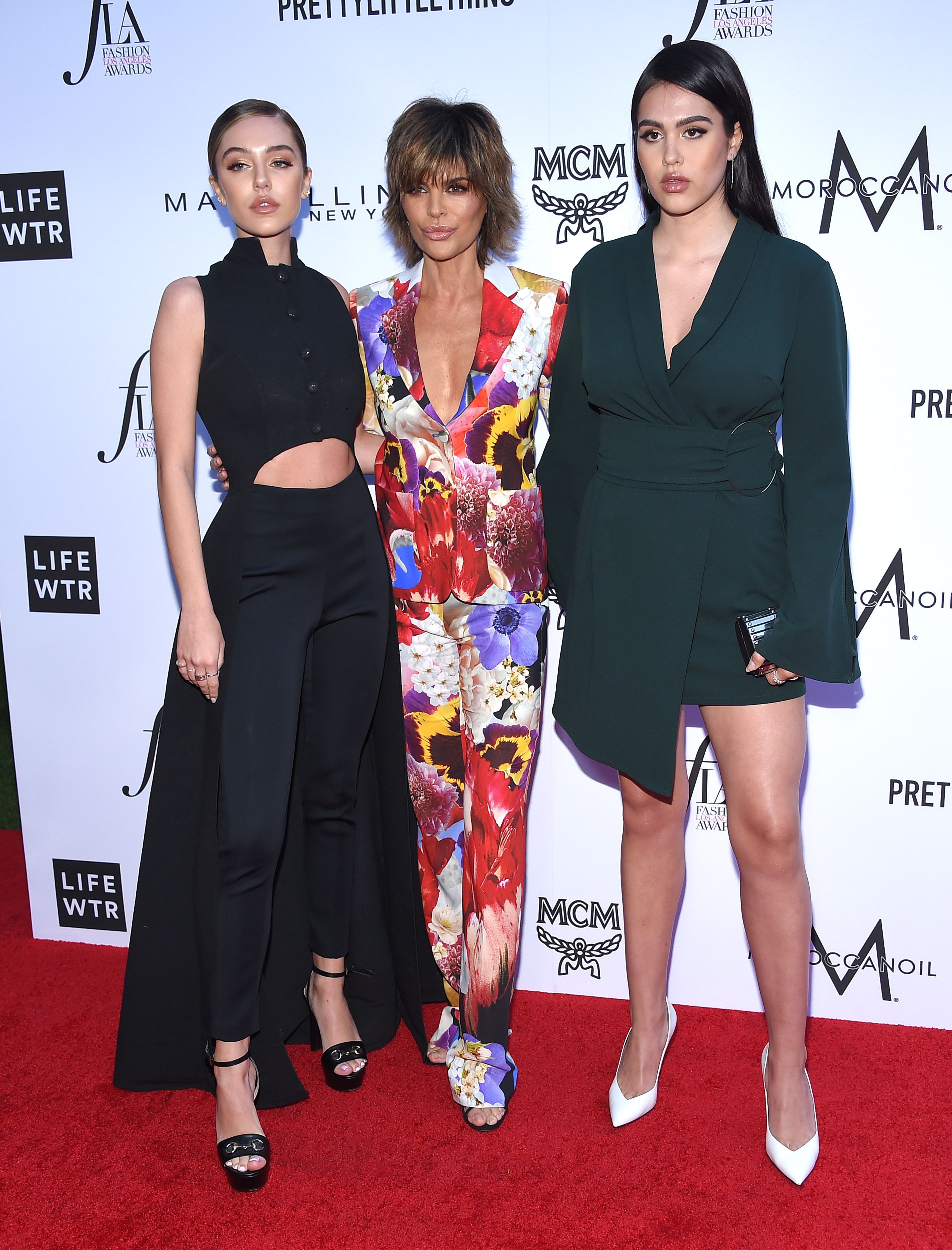 Lisa RInna and daughters at event