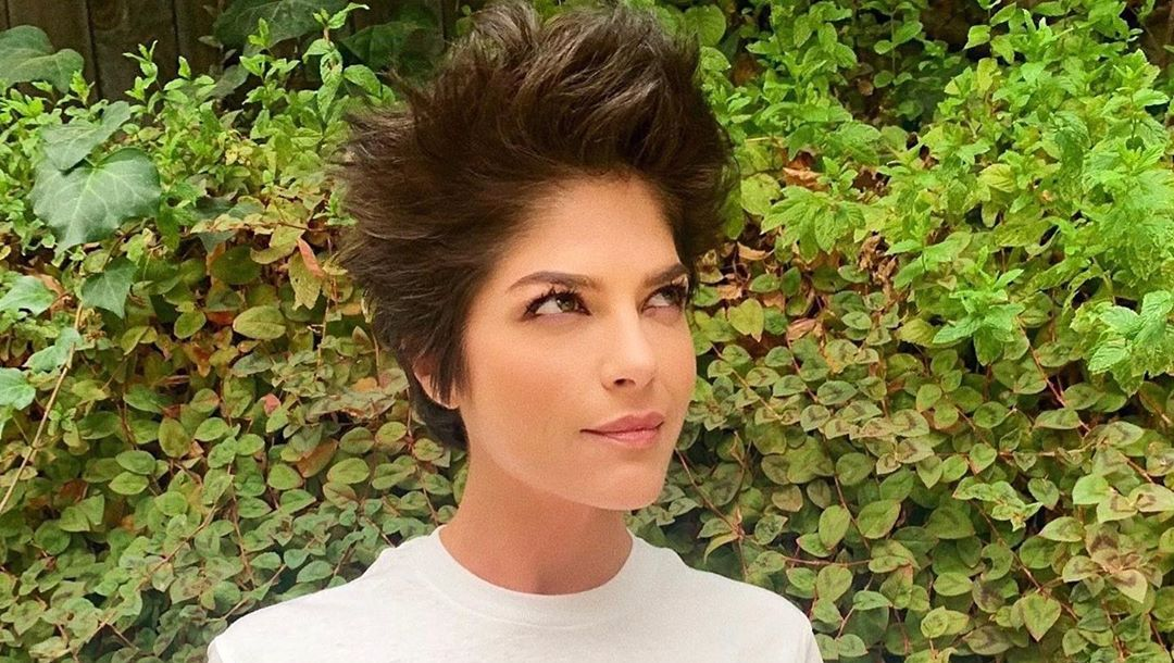 Selma Blair with styled hair