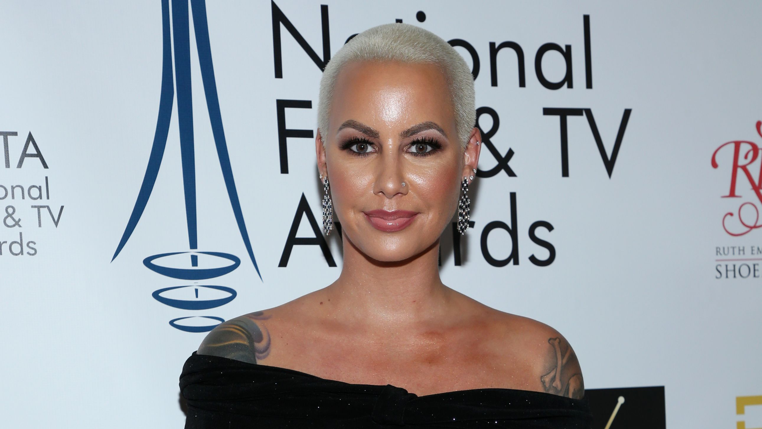 Amber Rose Shows Off Big Boy Baby Bump Ahead Of Giving Birth