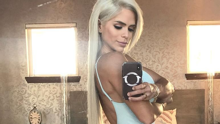 Michelle Lewin poses for a selfie