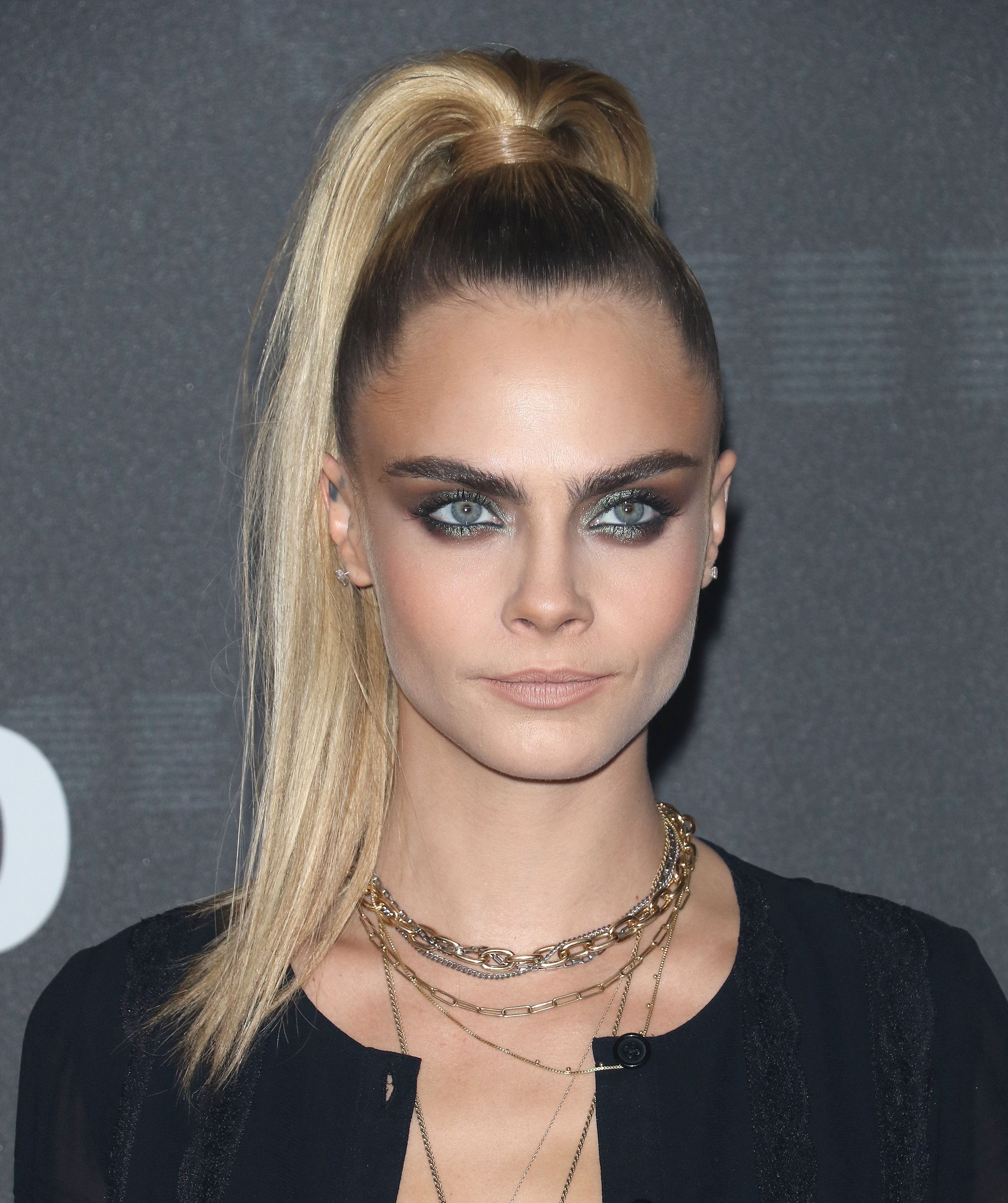 Cara Delevigne takes a stand against Justin Bieber