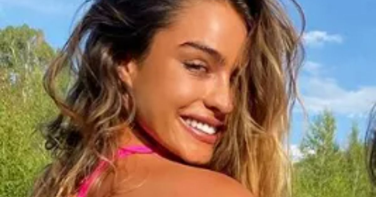 Y1RTVTAxNnZjWmlaRk9UVTZmVWQuanBn Sommer Ray Gets Cheeky In Swimsuit She Calls A 8216 Bikini 8217 8211 The Blast