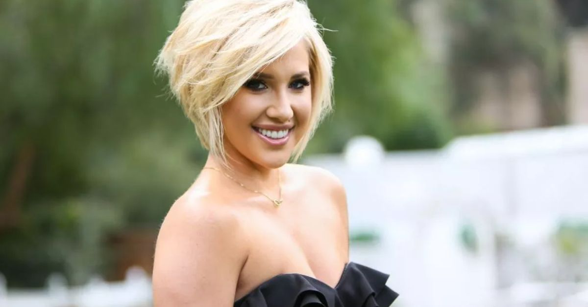 Y3JnNXJQZWpKemE3NlAxTDBrT1QuanBn Savannah Chrisley Unfussed In Floral Bikini As Beach Photos Trashed For Not 8216 Social Distancing 8217 8211 The Blast
