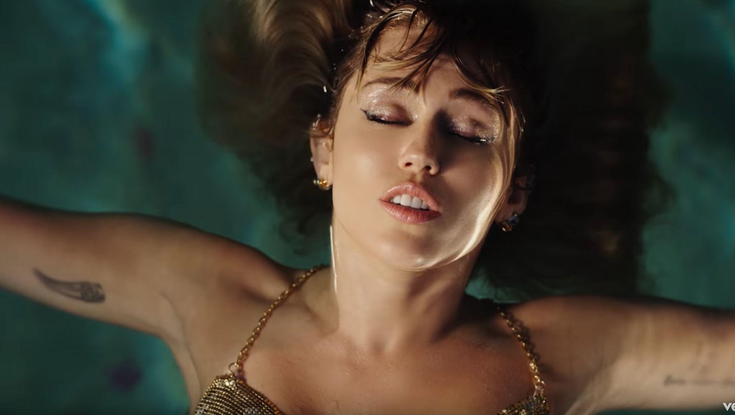 videók Miley Cyrustól vodeo x