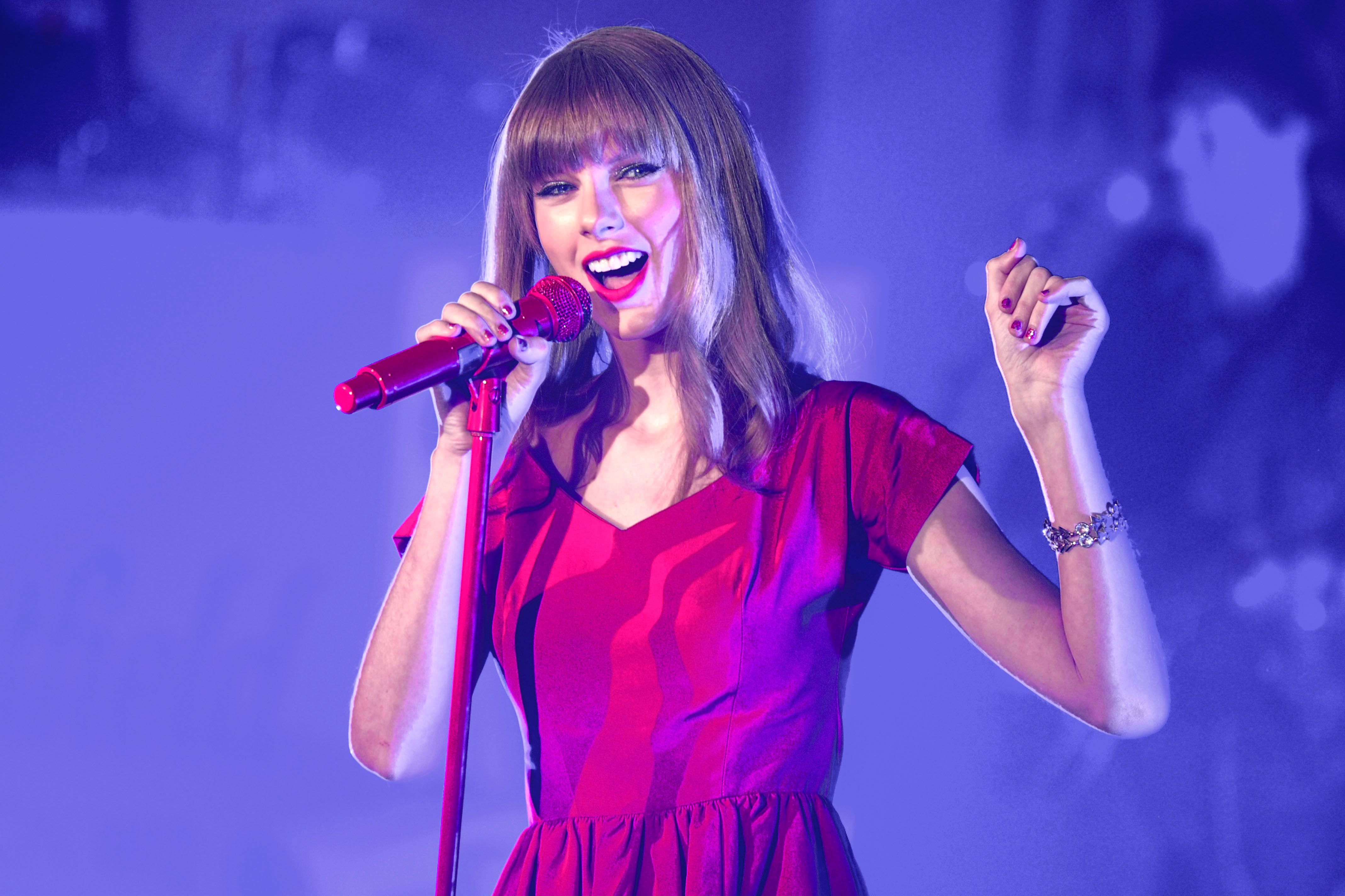 """A clip of Taylor Swift performing during her """"Red"""" era."""