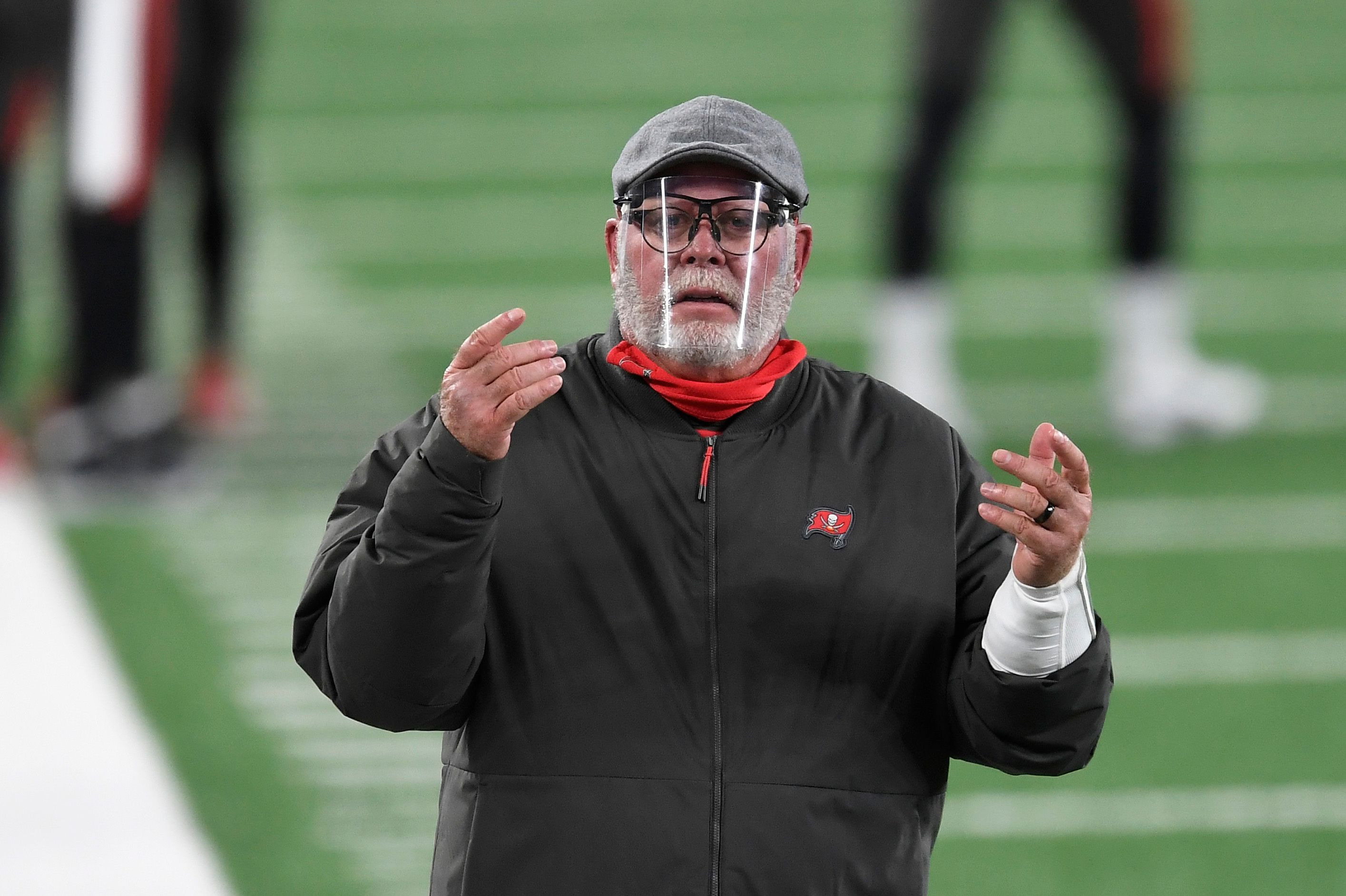 Bruce Arians coaches in an NFL game.