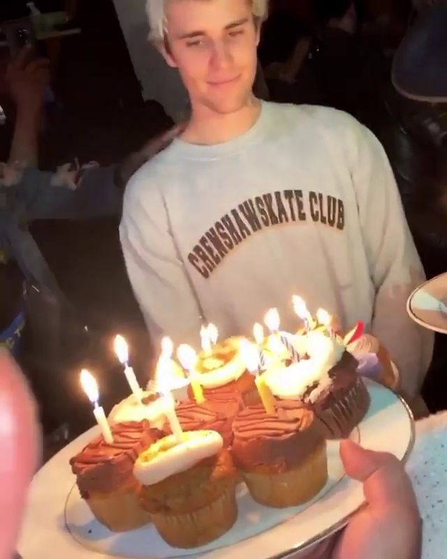 Peachy Justin Bieber Celebrates 26Th Birthday Partying In L A With Funny Birthday Cards Online Elaedamsfinfo