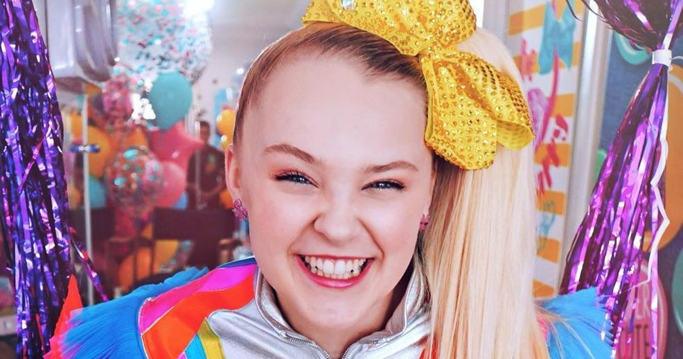 Fans Are Praising Jojo Siwa S Hair After She Finally Took Down Her Side Ponytail